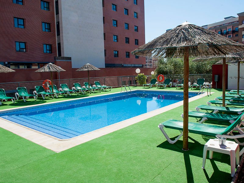 Fotos extremadura hotel by sercotel web oficial for Follando en la piscina del hotel